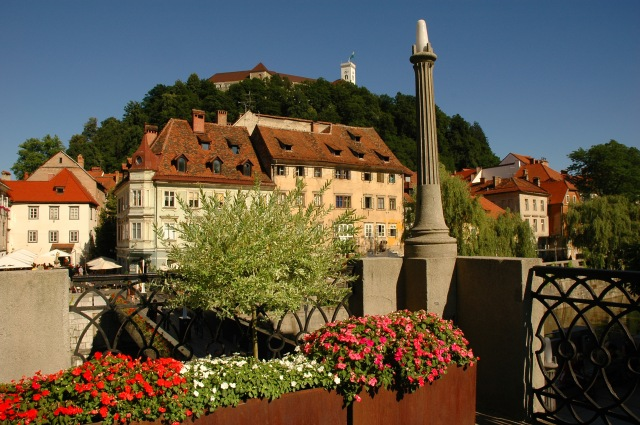 Ljubljana_Castle_view_from_riverbanks_D.Wedam__2653_orig