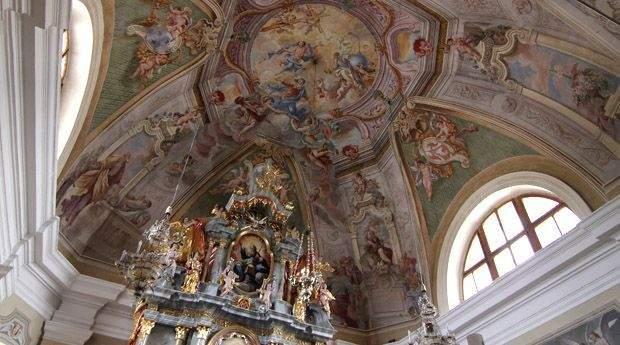 Lesce church